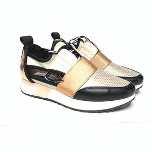 Steve Madden Arctic Cutout Sneakers Size 5